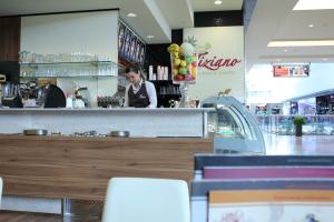 Cafe_Mitarbeiterin